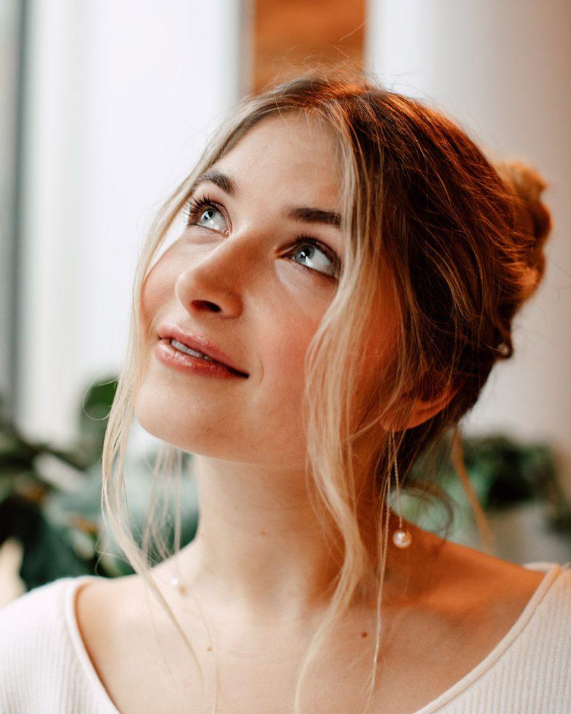 Charlotte Weise mit natürlichem Make-up